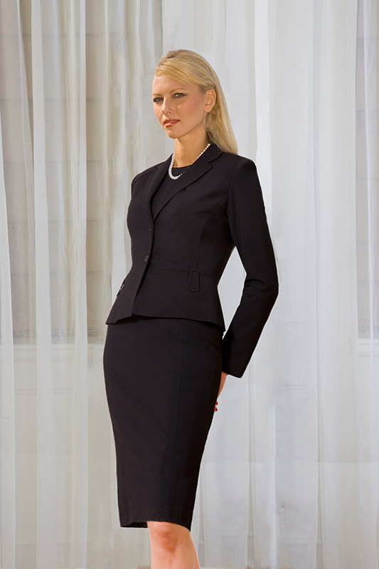 With tall women's work apparel from Banana Republic, you'll have adaptable apparel that you can use to create an assortment of vivacious, yet serious combinations. Add a dashing blazer to a gorgeous blouse and solid color pants look, and be ready to deal with whatever the business world throws in .